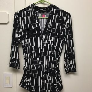 Geometric designs shirt with 3/4 sleeves